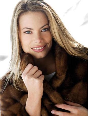 Carla Goyanes 2